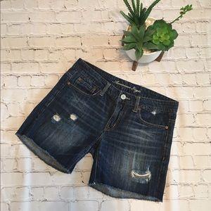 American Eagle medium waisted shorts